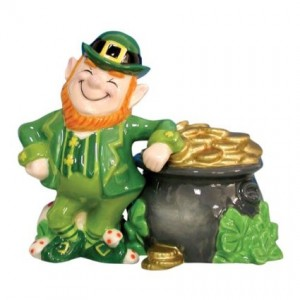 Leprechaun st patrick day salt pepper shaker gold pot