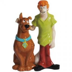 scooby doo salt pepper shaker shaggy